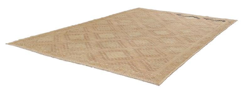 Kilim Vintage Mid-Century Modern Flat-Weave Rug For Sale