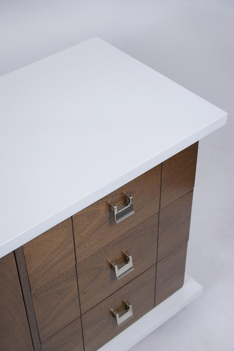 Mid-Century Modern Lacquered Chest of Drawers For Sale 4