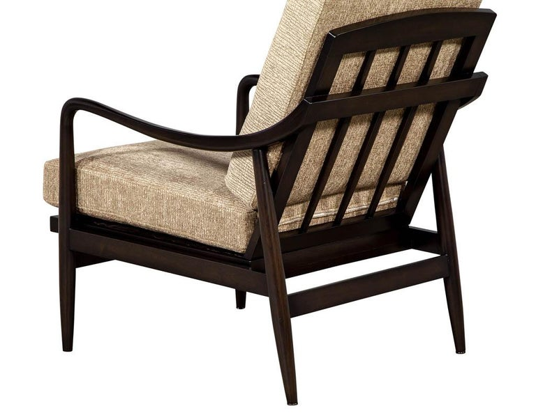 Fabric Vintage Mid-Century Modern Lounge Chair For Sale