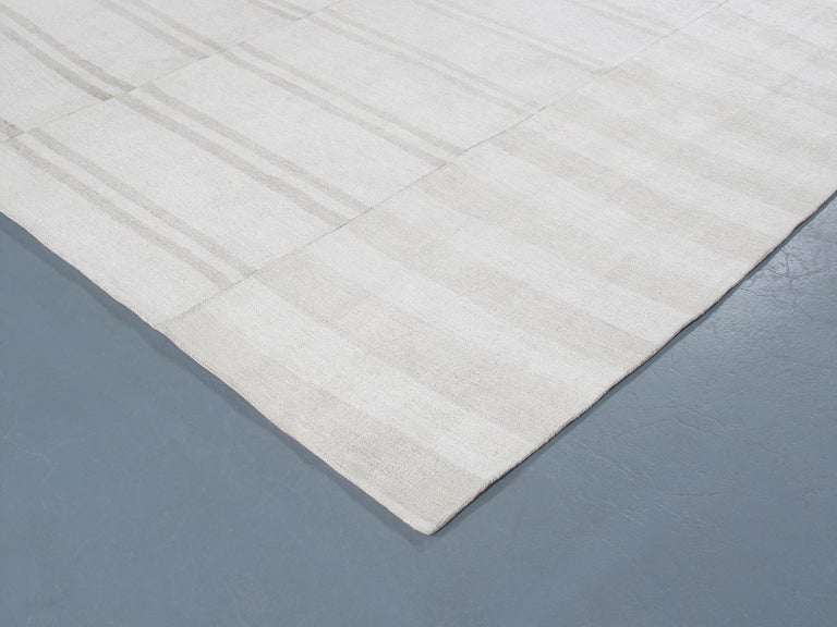 Vintage Mid-Century Modern Minimalist Flat-Weave Rug In Good Condition For Sale In New York, NY
