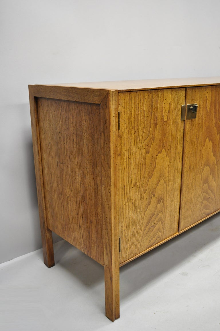 Vintage Mid-Century Modern Oak Credenza Cabinet Long Buffet after James Mont In Good Condition For Sale In Philadelphia, PA