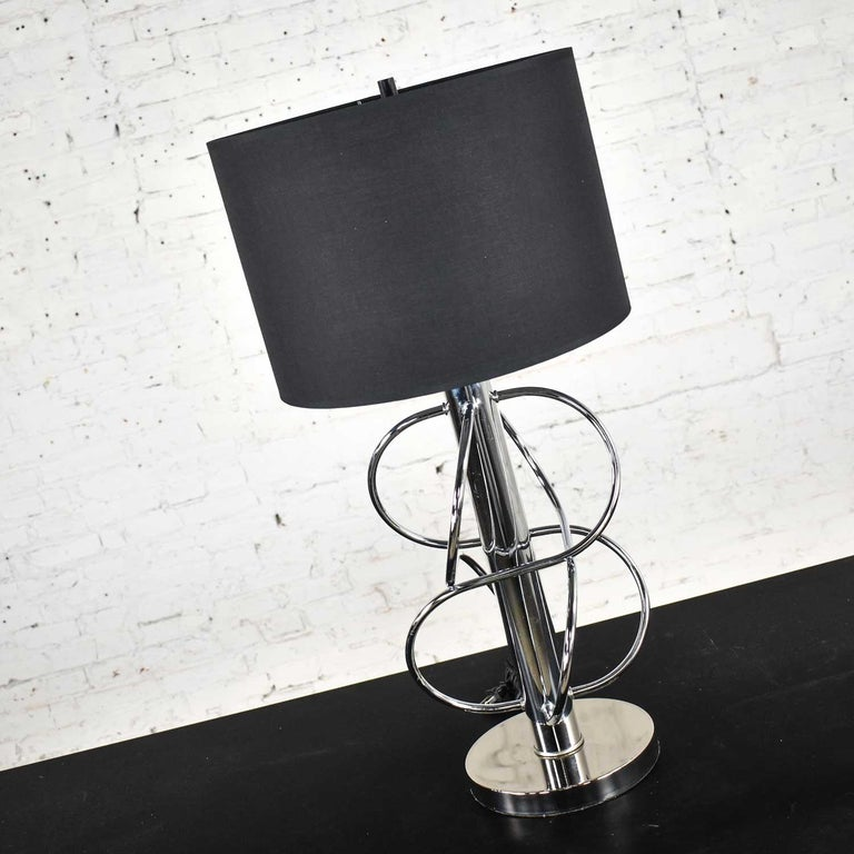 Vintage Mid-Century Modern Polished Chrome Table Lamp New Black Drum Shade In Good Condition For Sale In Topeka, KS