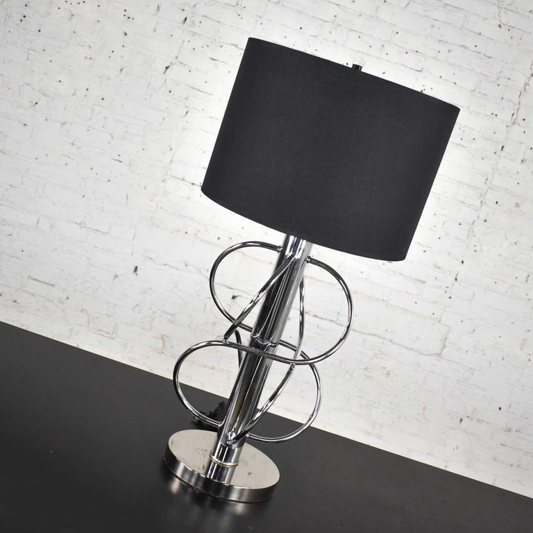 20th Century Vintage Mid-Century Modern Polished Chrome Table Lamp New Black Drum Shade For Sale