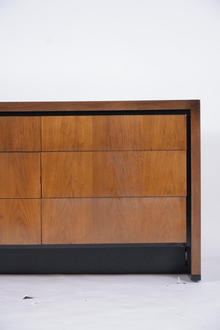 American Vintage Mid-Century Modern Walnut Chest of Drawers For Sale