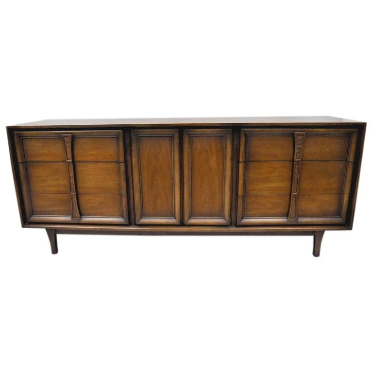Vintage Mid Century Modern Walnut Long Dresser Credenza Cabinet Drexel Pacer For