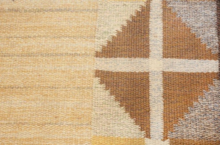 Wool Vintage Mid Century Scandinavian Swedish Kilim. Size: 5 ft 2 in x 8 ft For Sale