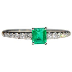 Vintage Midcentury .45 Carat Colombian Emerald Diamond Platinum Ring