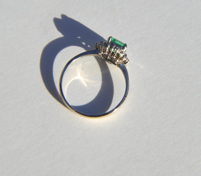 Vintage Midcentury .71 Carat Colombian Emerald Diamond Platinum Ring In Good Condition In Crownsville, MD