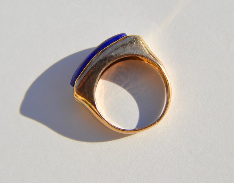 Vintage Midcentury 9.13 Carat Lapis Lazuli East West Signet Diamond Ring In Good Condition In Crownsville, MD