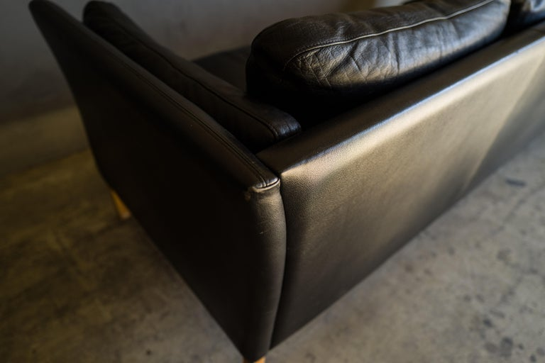 Vintage Midcentury Leather Sofa from Denmark, circa 1980 For Sale 2