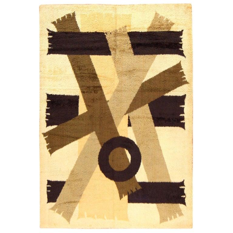 Vintage Midcentury Scandinavian Rya Shag Rug. Size: 8 ft 2 in x 11 ft 4 in For Sale