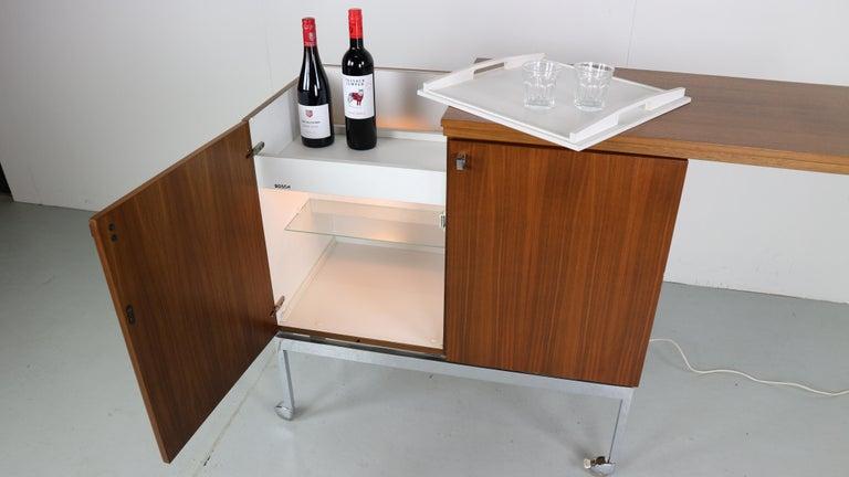 Bosch Minibar Kühlschrank : Vintage mini bar mit kühlschrank aus teakholz bosch 1970er jahre