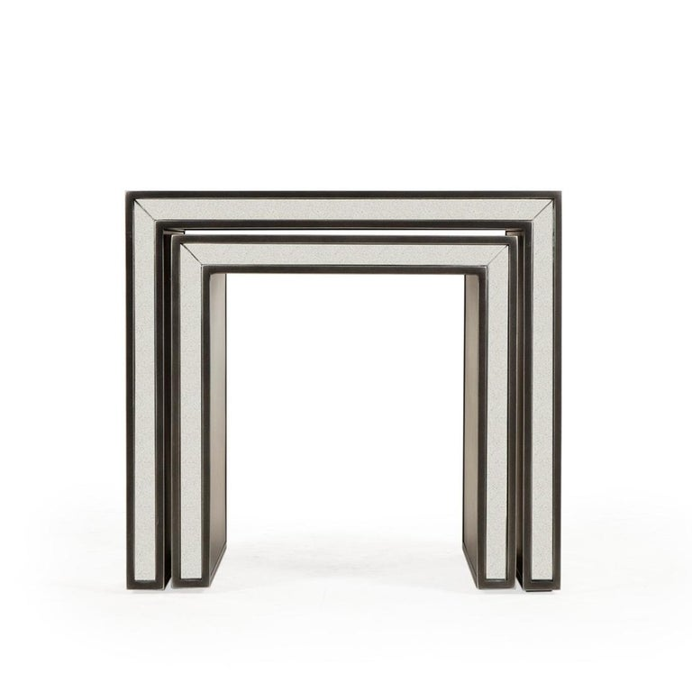 English Vintage Mirrored Set of 2 Side Table For Sale