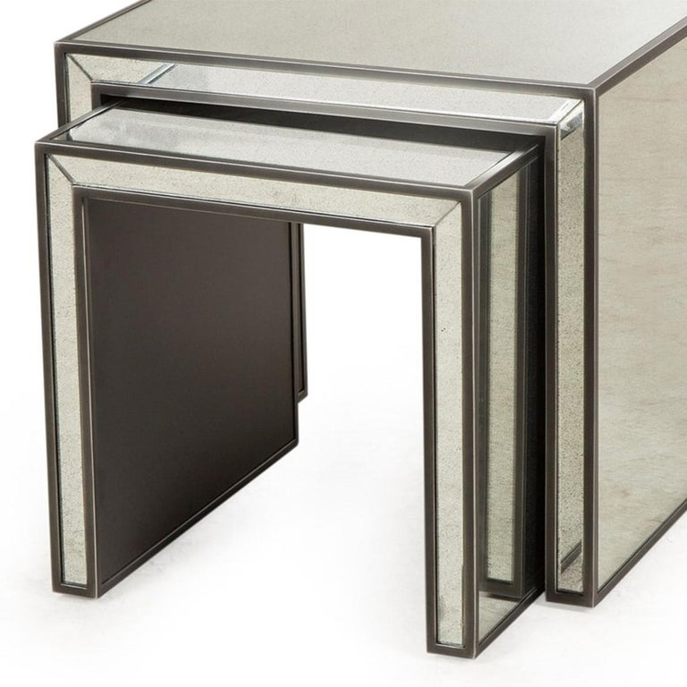 Contemporary Vintage Mirrored Set of 2 Side Table For Sale