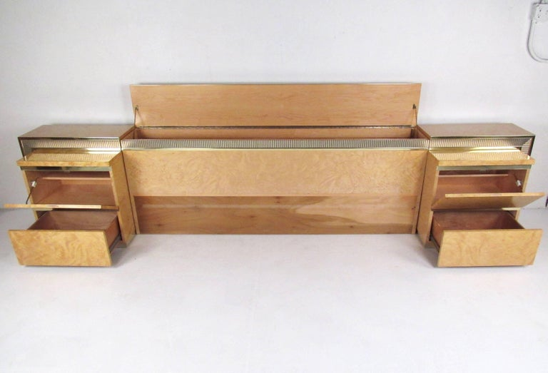 Mid-Century Modern Vintage Modern Bird's-Eye Maple Bedroom Set For Sale