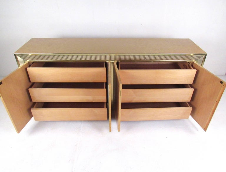 20th Century Vintage Modern Bird's-Eye Maple Bedroom Set For Sale