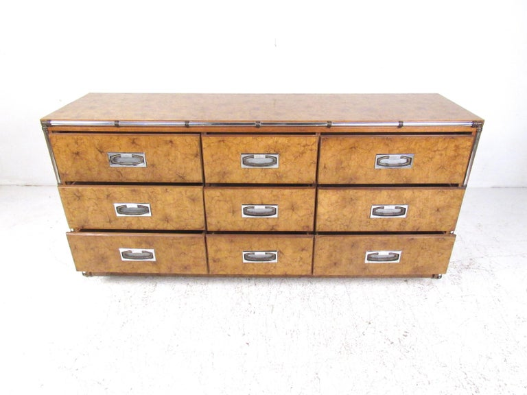 Mid-Century Modern Vintage Modern Burl and Burlwood Bedroom Suite with Dressers and Queen Bed For Sale