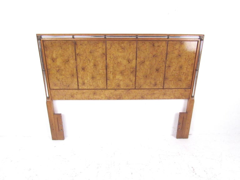 Vintage Modern Burl and Burlwood Bedroom Suite with Dressers and Queen Bed In Good Condition For Sale In Brooklyn, NY