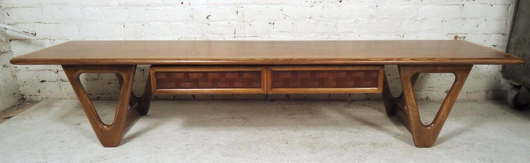 Mid-Century Modern Vintage Modern Coffee Table by Lane For Sale