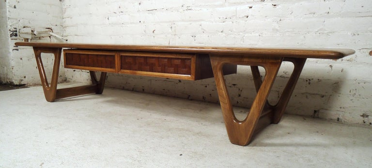 Mid-20th Century Vintage Modern Coffee Table by Lane For Sale