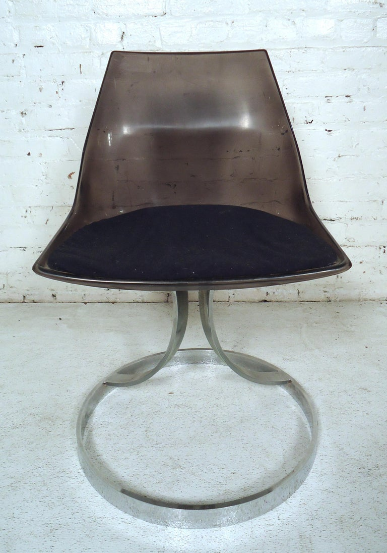 Mid-Century Modern Vintage Modern Italian Lucite Chair For Sale