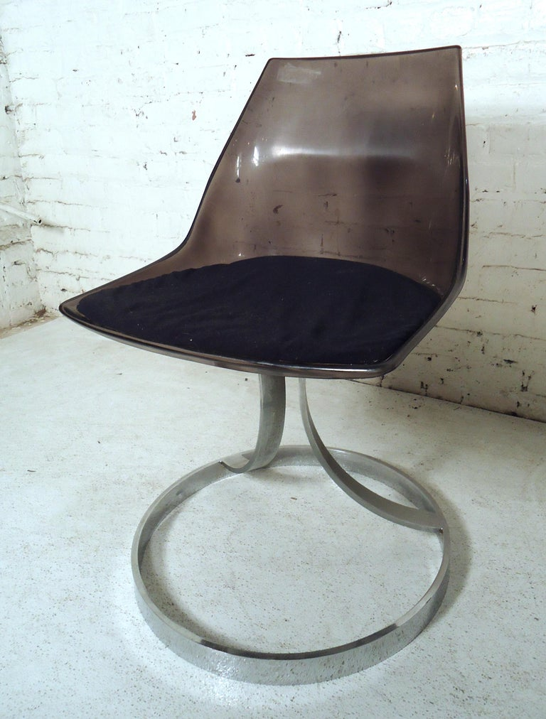 Vintage Modern Italian Lucite Chair In Fair Condition For Sale In Brooklyn, NY