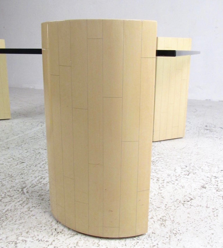 Late 20th Century Vintage Modern Lacquered Base Coffee Table For Sale