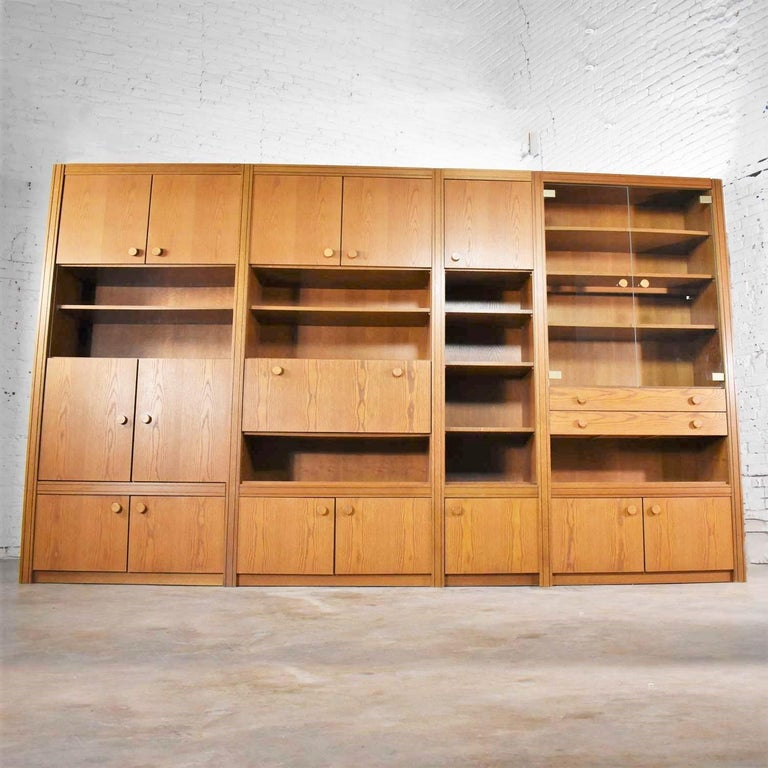 Vintage Modern Oak 4 Section Modular Wall Unit from Lord Series by Kämper Intl. In Good Condition For Sale In Topeka, KS