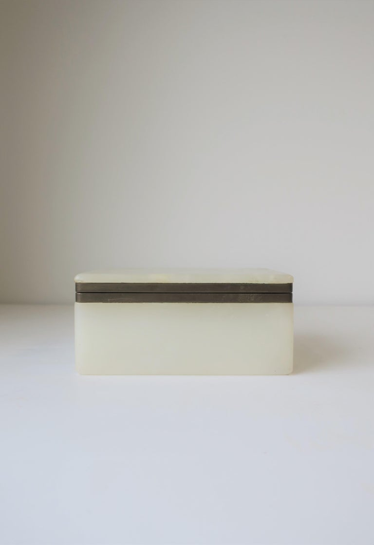 Belgian Modern White Onyx Marble and Brass Jewelry Box from Belgium For Sale