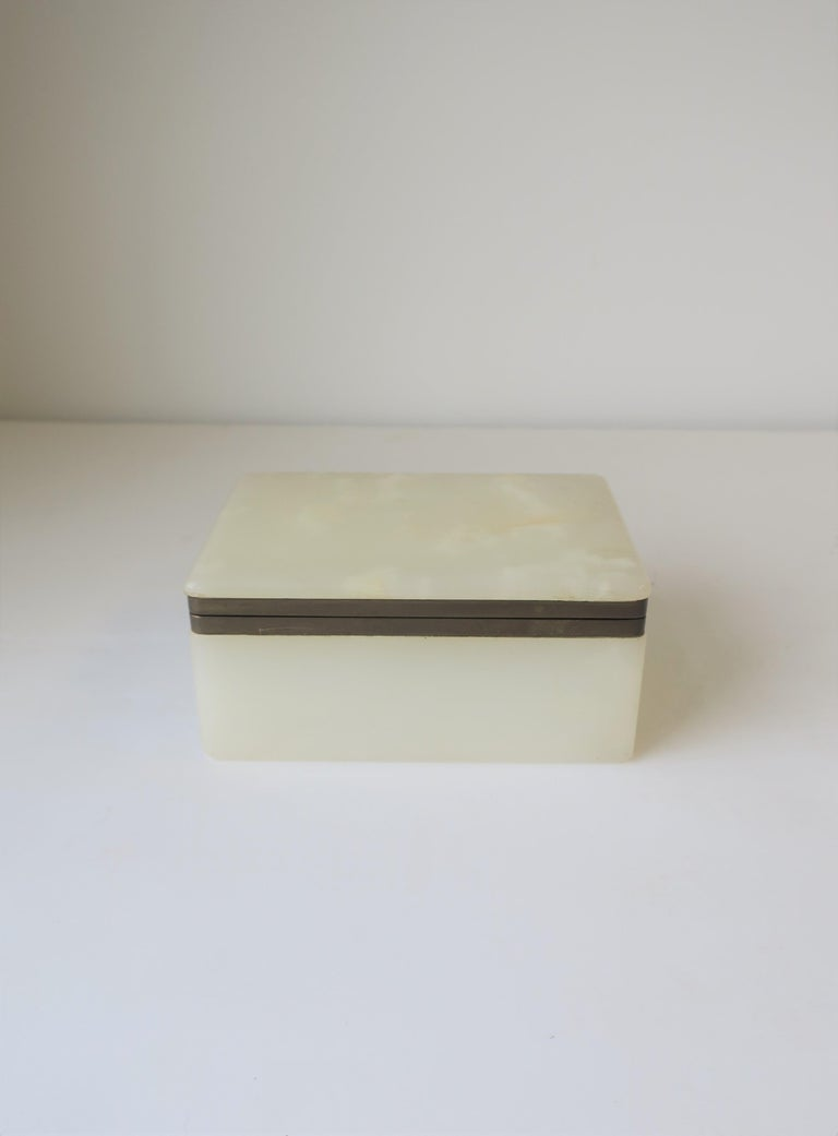 Polished Modern White Onyx Marble and Brass Jewelry Box from Belgium For Sale