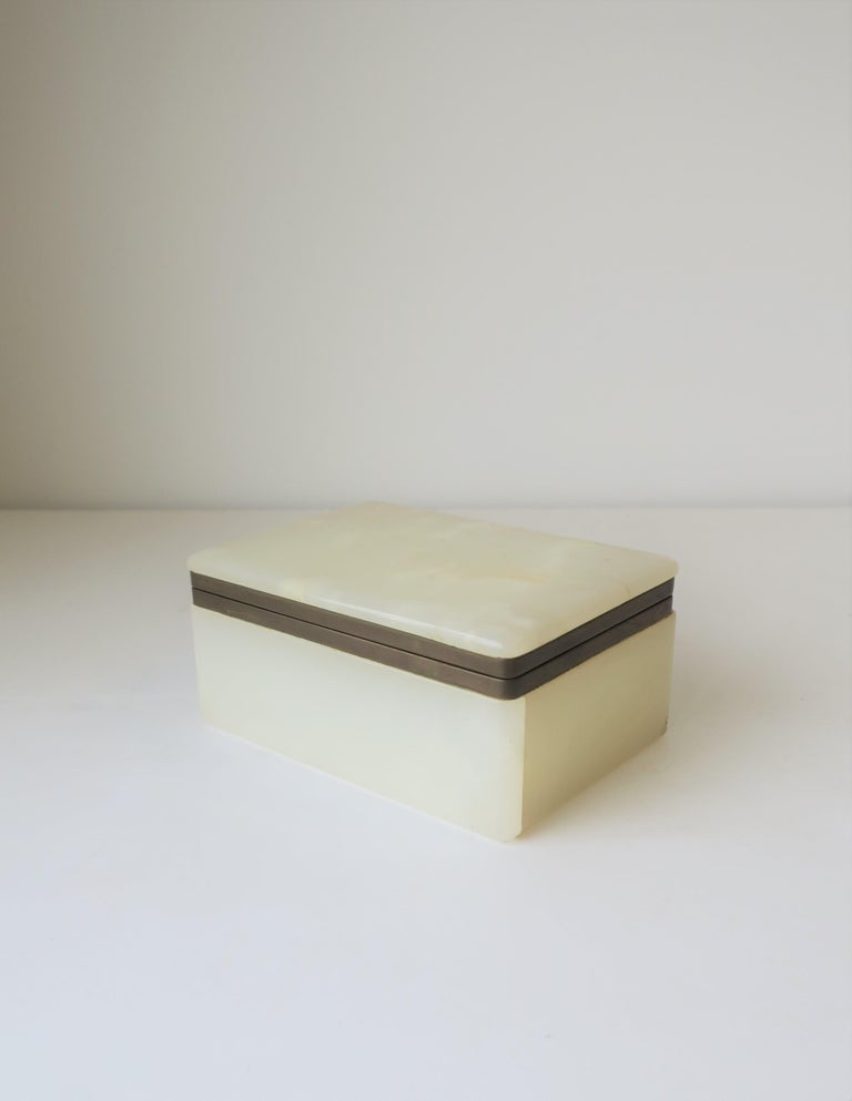 20th Century Modern White Onyx Marble and Brass Jewelry Box from Belgium For Sale