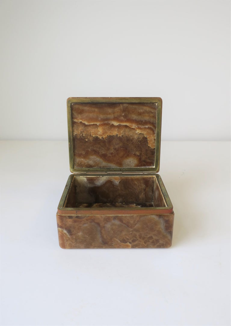 Modern Onyx Marble and Brass Jewelry Box from Belgium For Sale 4