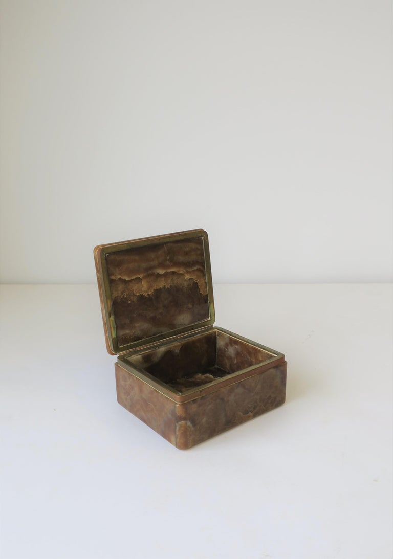 Modern Onyx Marble and Brass Jewelry Box from Belgium For Sale 2
