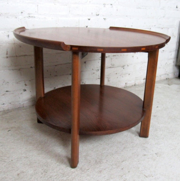 Mid-20th Century Vintage Modern Round Side Table by Lane
