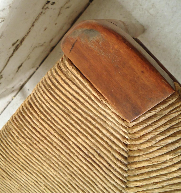 Vintage Modern Woven Ottoman In Distressed Condition For Sale In Brooklyn, NY
