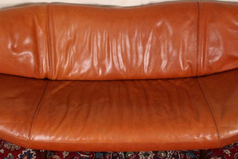Vintage Molinari Tobacco Leather Sofa In Good Condition For Sale In Bridgeport, CT