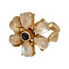 Vintage Moonstone and Sapphire 14 Karat Yellow Gold Ring
