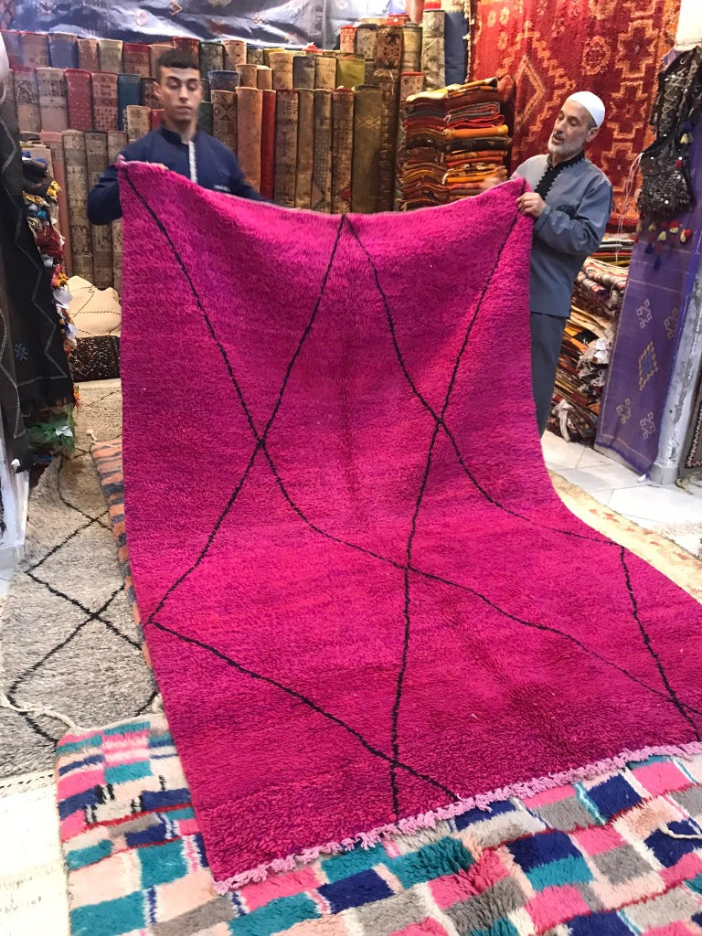 Moroccan Beni Ourain Double Sided Wool Rug in Hot Pink and Black For Sale 10