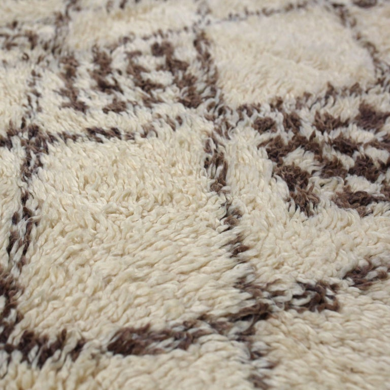 Vintage Moroccan Berber Rug In Excellent Condition For Sale In Amsterdam, NL