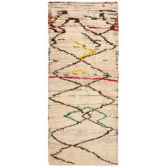 Moroccan Berber Rug. Size: 4 ft x 9 ft 6 in (1.22 m x 2.9 m)