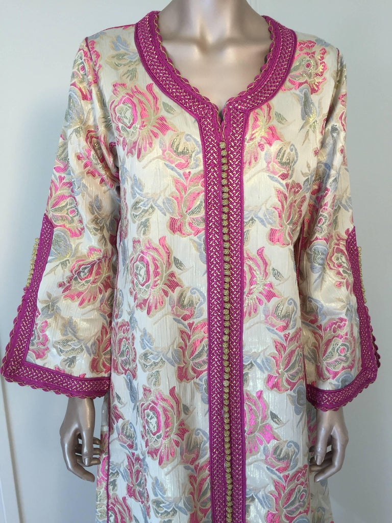 Moorish Vintage Moroccan Kaftan Brocade Embroidered with Pink and Gold Trim, circa 1970 For Sale