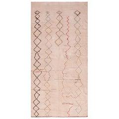 Vintage Moroccan Kilim Rug. Size: 4 ft 7 in x 9 ft 1 in