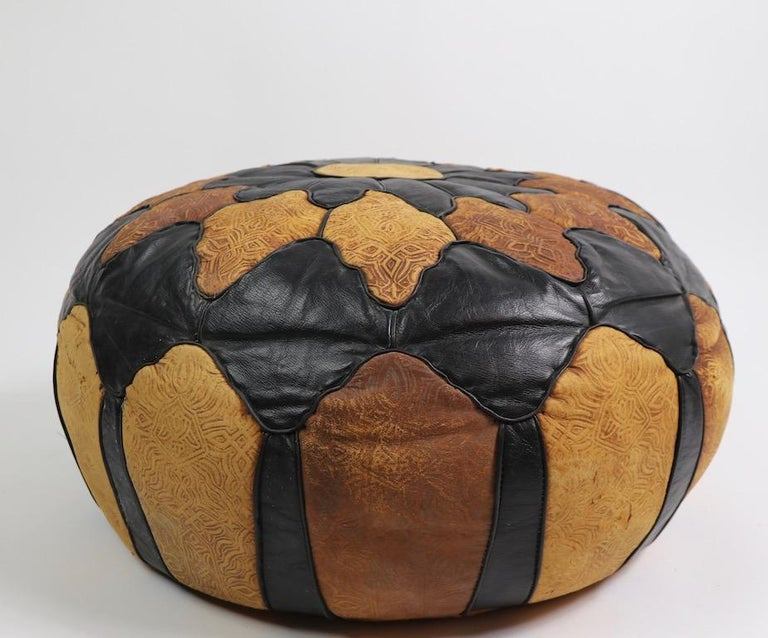 Vintage Moroccan Leather and Suede Ottoman Footrest Pouf In Good Condition For Sale In New York, NY