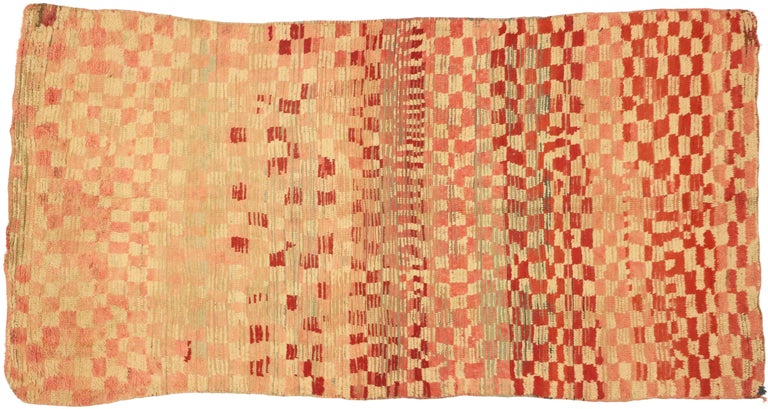 Vintage Moroccan Rehamna Rug with Checkerboard Pattern and Cubism Style For Sale 2