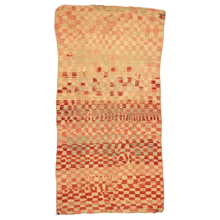 Vintage Moroccan Rehamna Rug with Checkerboard Pattern and Cubism Style For Sale
