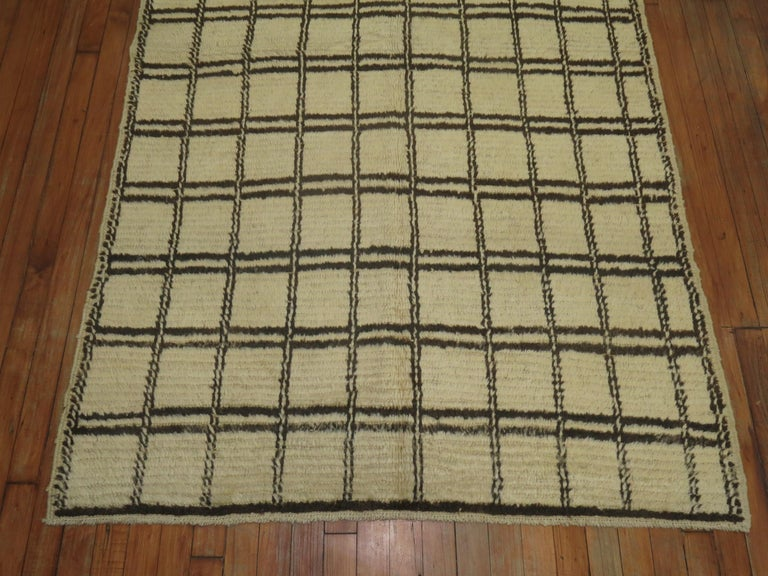 Vintage Moroccan Rug In Good Condition For Sale In New York, NY