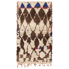 Vintage Moroccan Rug. Size: 4 ft 3 in x 7 ft (1.3 m x 2.13 m)
