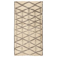 Vintage Moroccan Rug. Size: 6 ft 2 in x 11 ft 7 in (1.88 m x 3.53 m)
