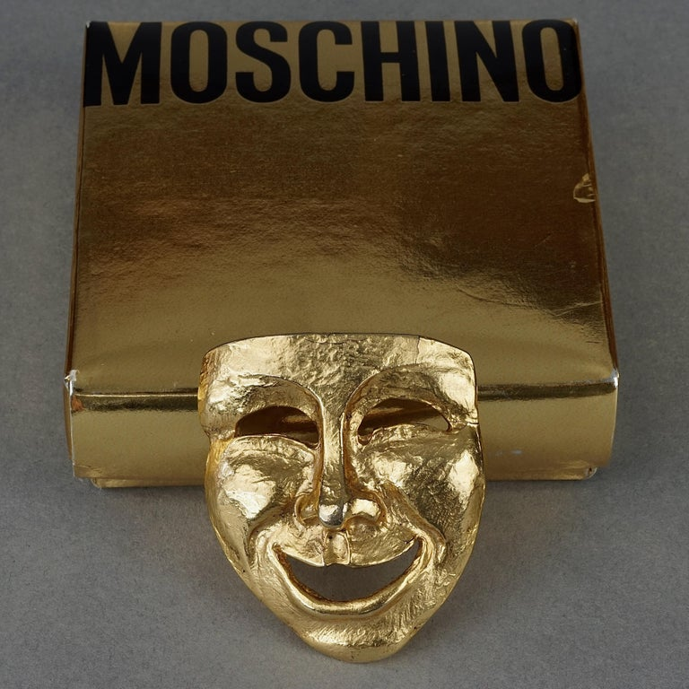 Vintage MOSCHINO Comedy Mask Novelty Brooch In Good Condition For Sale In Kingersheim, Alsace