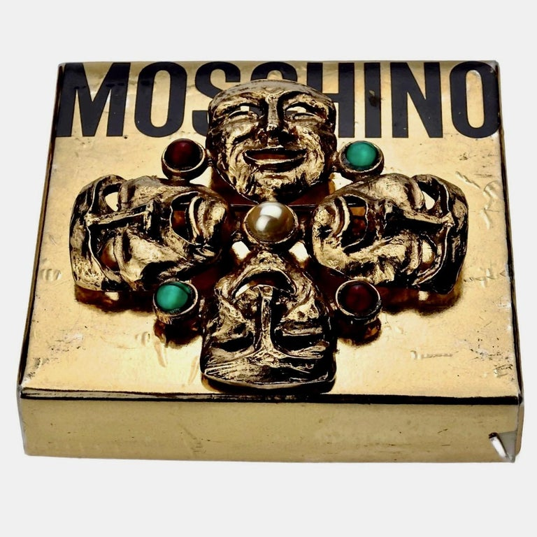 Vintage MOSCHINO Comedy Tragedy Mask Jewelled Novelty Brooch In Good Condition For Sale In Kingersheim, Alsace